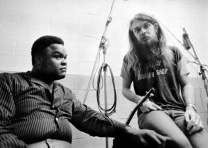 Freddie King an Leon Russell in the studio