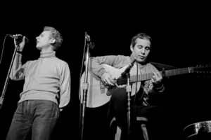 Simon & Garfunkel on stage
