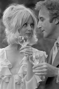 Goldie Hawn and Peter Sellers