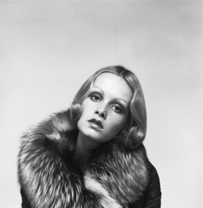 Twiggy In Furs