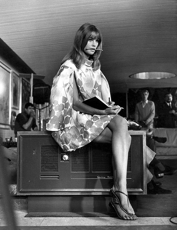 Js023 Jean Shrimpton Iconic Images