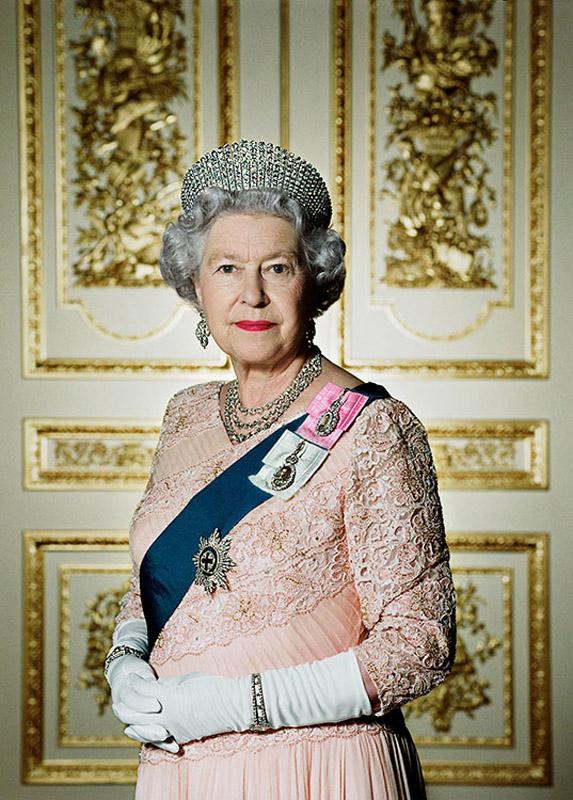 Queen Elizabeth II - Queen Elizabeth II Photos - HM Queen