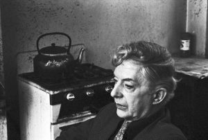 Quentin Crisp in his room