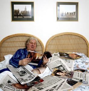 Ustinov ReadsThe Papers