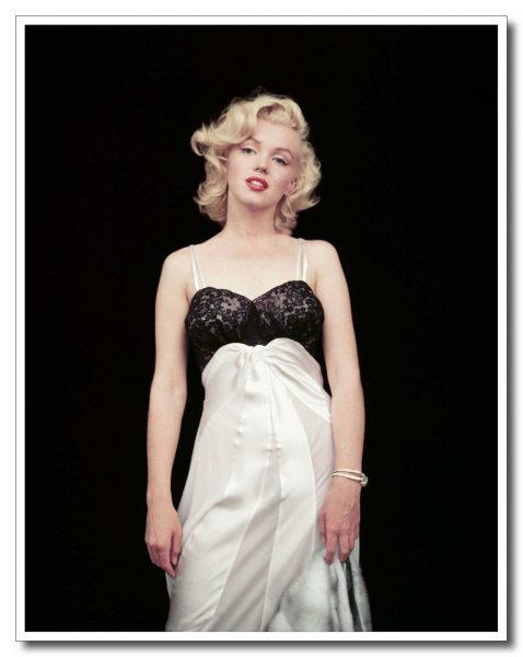 The Essential Marilyn Monroe – 50 Sessions by Milton H. Greene. Deluxe, Limited Edition.