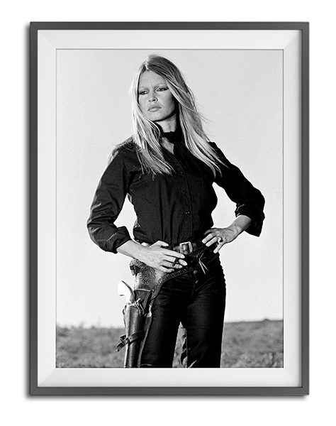 Brigitte Bardot x Terry O'Neill – Hands on Hips